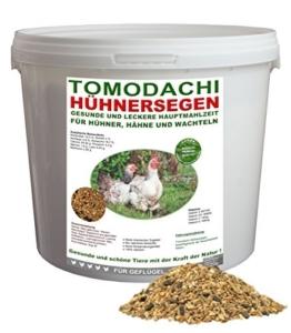 Hühnerfutter, Naturprodukt, hochwertiges Vollwertfutter für Geflügel, calziumreiche Komplettnahrung für alle Hühnerrassen, reich an Omega-3 Fettsäuren, natürlicher Immunschutz, Qualitäts Körnermischung für gesunde, glückliche Hühner, Tomodachi Hühnersegen 1kg Eimer -