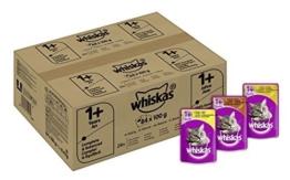 Whiskas Katzenfutter 1+ für erwachsene Katzen - saftige Geflügel-Auswahl in Sauce, 3 Geschmacksrichtungen / 84 Portionsbeutel (84 x 100 g) - 1